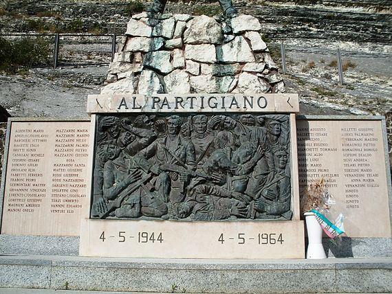 570px-arcevia_partigiani_caduti_1944