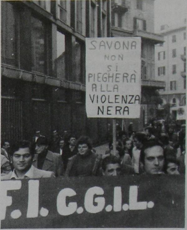 Savona-non-si-piegherà-alla-violenza-nera.jpg