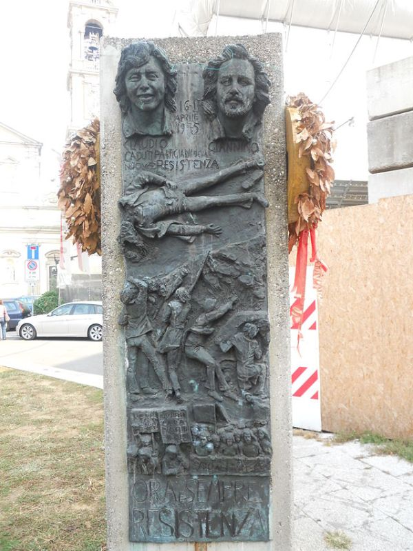 Monumento_a_Varalli_e_Zibecchi.JPG